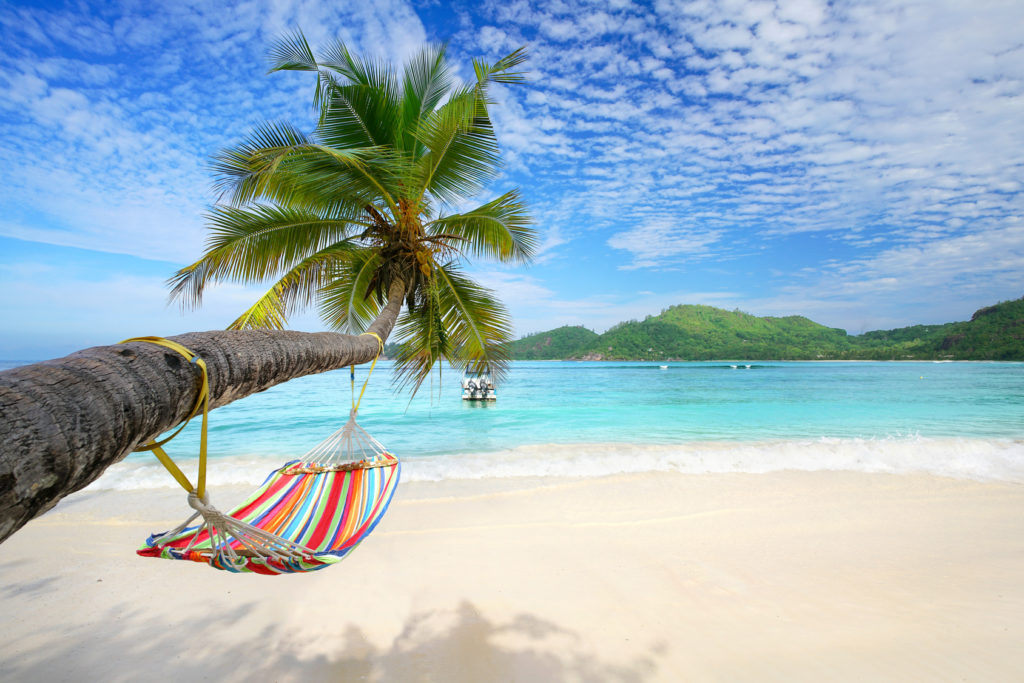 Urlaubsreisen, Strandidylle mit Hängematte